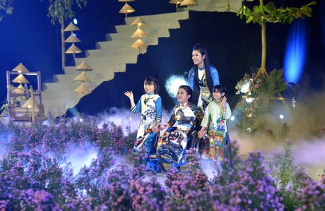 Ngoc Han duyen dang tai Festival ao dai Ha Noi - Anh 6