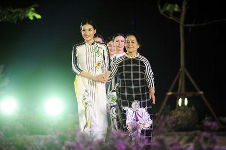 Giai nhan man anh Viet hoi ngo tai Festival ao dai Ha Noi 2016 - Anh 7