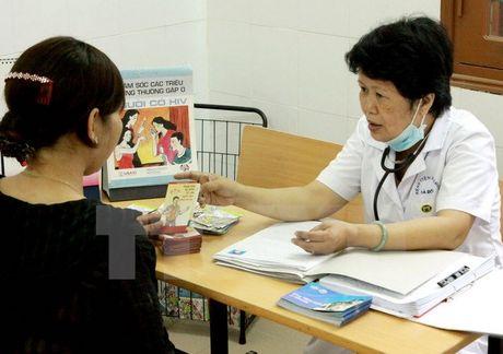 TP. Ho Chi Minh bao dong tai gia tang tre lay nhiem HIV tu me - Anh 1