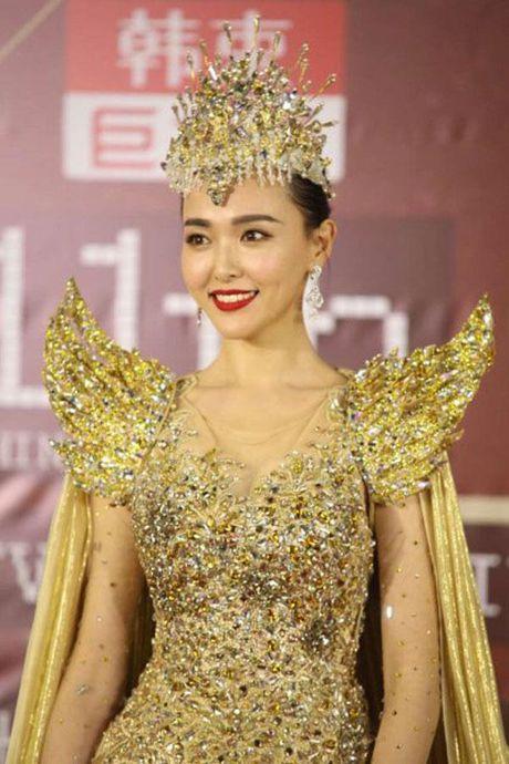 Nhan sac tre mai cua 'nu than Kim Ung' Duong Yen - Anh 1