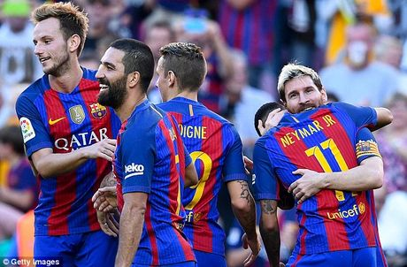 Lionel Messi gop vui de lap ky luc, Barcelona de dang de bep Deportivo - Anh 1
