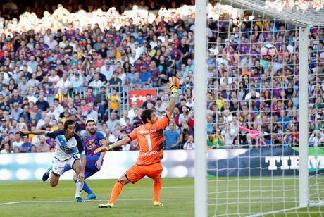 Dam doi thu roi kien tao, ghi ban, Suarez giup Barca dai thang Deportivo - Anh 10