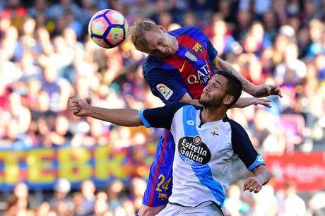 Dam doi thu roi kien tao, ghi ban, Suarez giup Barca dai thang Deportivo - Anh 1