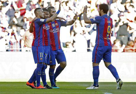 Dam doi thu roi kien tao, ghi ban, Suarez giup Barca dai thang Deportivo - Anh 3