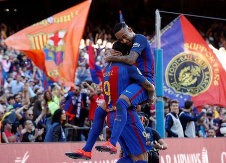 Dam doi thu roi kien tao, ghi ban, Suarez giup Barca dai thang Deportivo - Anh 7