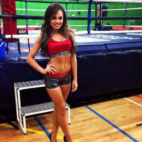 Top 10 nang Ring-girl noi tieng nhat lang boxing (Phan 7): Sara Beverley Jones - Anh 10