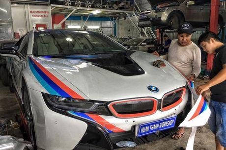 Dan choi Da Nang do tem dau cho sieu xe BMW i8 - Anh 1