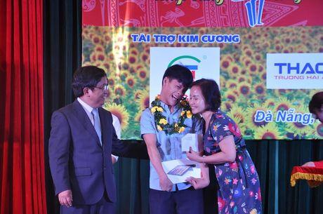 Dai hoc Da Nang vinh danh thu khoa lan thu V – nam 2016 - Anh 2