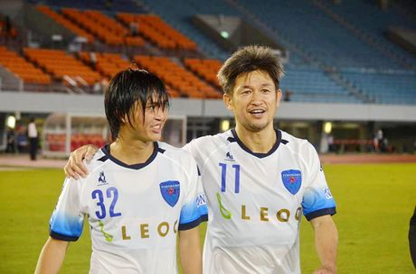 Mito Hollyhock va Yokohama bat phan thang bai, Cong Phuong va Tuan Anh ve tuyen Viet Nam som - Anh 1