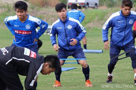 Mito Hollyhock va Yokohama bat phan thang bai, Cong Phuong va Tuan Anh ve tuyen Viet Nam som - Anh 2