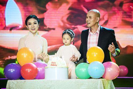 Bao Yen dien toc noi, hat nhac cua chong trong dem nhac ton vinh phu nu - Anh 5