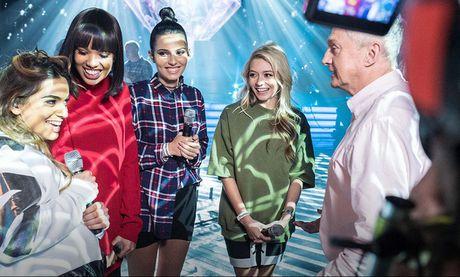 """The X-Factor: Thi sinh bi to bao hanh ban gai cu van """"co cua"""" tro lai cuoc thi - Anh 3"""