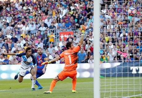 Messi lap ky luc ngay tai xuat, La Liga ngap mua ban thang - Anh 2