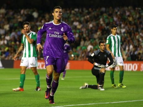 Messi lap ky luc ngay tai xuat, La Liga ngap mua ban thang - Anh 5
