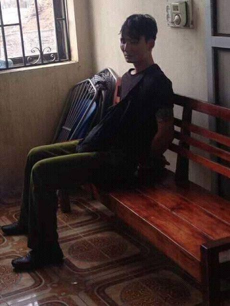 Hung Yen: Tom gon doi tuong mang ma tau di bat trom cho - Anh 1