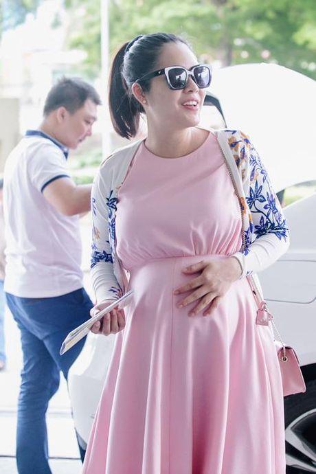 Duong Cam Lynh ha sinh con trai dau long nang 3,2kg - Anh 1