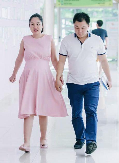 Duong Cam Lynh ha sinh con trai dau long nang 3,2kg - Anh 2