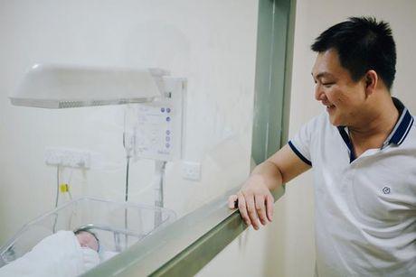 Duong Cam Lynh ha sinh con trai dau long nang 3,2kg - Anh 3