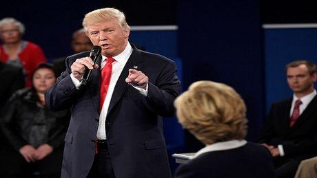 Donald Trump 'nghi ngo' ba Clinton su dung chat kich thich - Anh 1