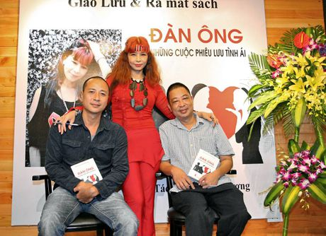 Khanh Phuong 'viet cho nhung nguoi dan ong khong the khoc...' - Anh 1