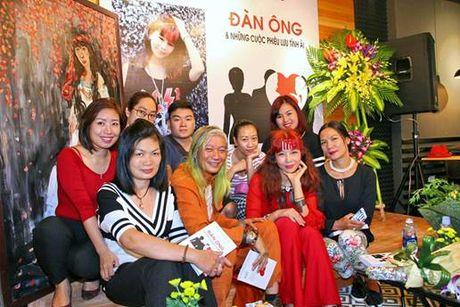Khanh Phuong 'viet cho nhung nguoi dan ong khong the khoc...' - Anh 2