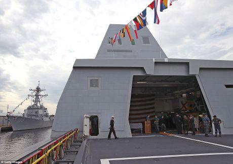 Can canh 'chien ham sieu tuong' USS Zumwalt vua gia nhap Hai quan My - Anh 16