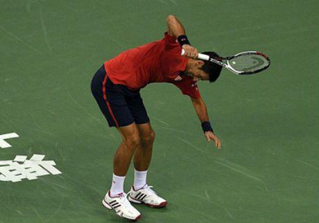 Djokovic: Bi phe ngoi, dap vot va bao dong do - Anh 1
