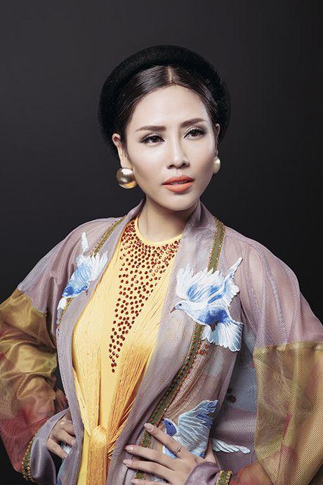 Tiet lo trang phuc dan toc hoan thanh trong 5 ngay cua Nguyen Thi Loan - Anh 4