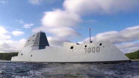 Chiem nguong uy luc 'khung' tau khu truc USS Zumwalt My vua chinh thuc hoat dong - Anh 2