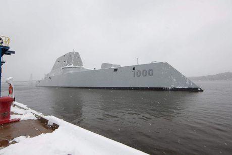Chiem nguong uy luc 'khung' tau khu truc USS Zumwalt My vua chinh thuc hoat dong - Anh 5