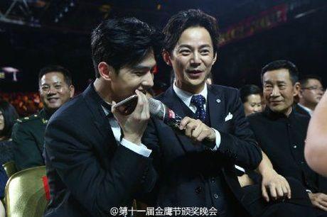 Kim Ung 2016: Trieu Le Dinh an banh bao don sinh nhat, Duong Duong hon fan qua dien thoai - Anh 8