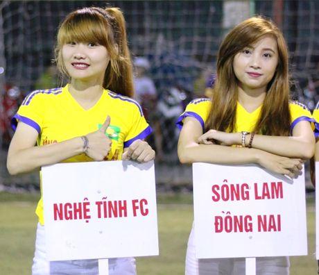 CDV Song Lam chung tay huong ve mien Trung ruot thit - Anh 1