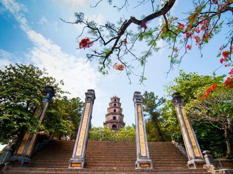 Nguoc dong Huong Giang tham di san Hue - Anh 1