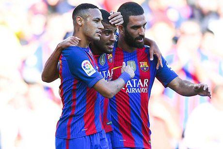 Vuot qua Deportivo, Barca cho Real vap nga - Anh 1