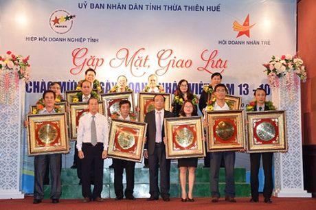 Giam doc VNPT Thua Thien Hue duoc ton vinh Doanh nhan tieu bieu 2016 - Anh 2