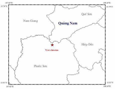 Quang Nam: Hai tran dong dat cach nhau vai phut - Anh 2