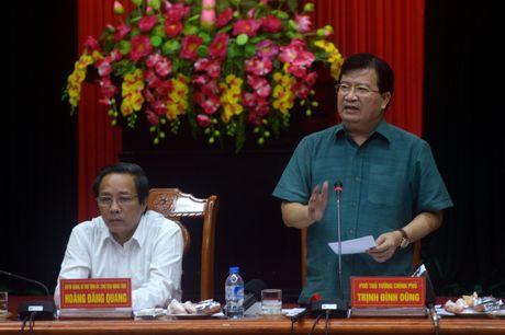 Pho thu tuong: 'Khong de gia dinh nao thieu an sau mua lu' - Anh 2
