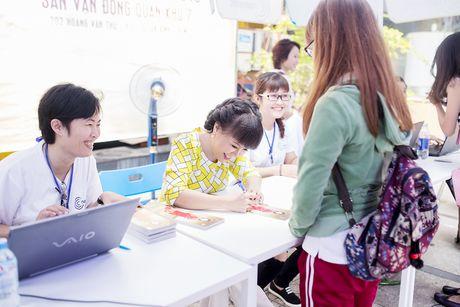 Viet Huong tang ve mien phi cho nguoi ham mo - Anh 2