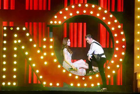 Khan gia Ha Noi man nhan voi 'Diamond Show' cua Dam Vinh Hung - Anh 8
