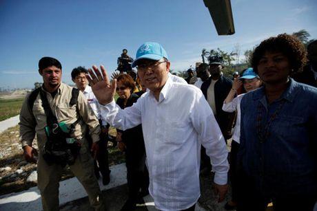 Ong Ban Ki-moon toi tham nhung khu vuc bi anh huong boi bao Matthew - Anh 1