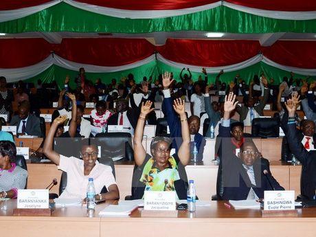 Quoc hoi Burundi bo phieu thong qua quyet dinh rut khoi ICC - Anh 1