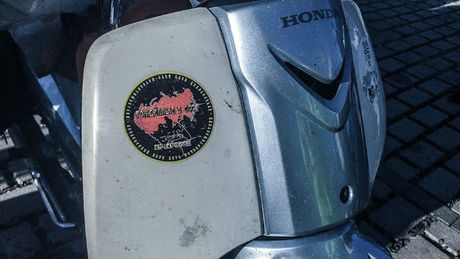 'Thanh phuot' chay Honda Super Cub vuot 18.000 km toi chau Au - Anh 2