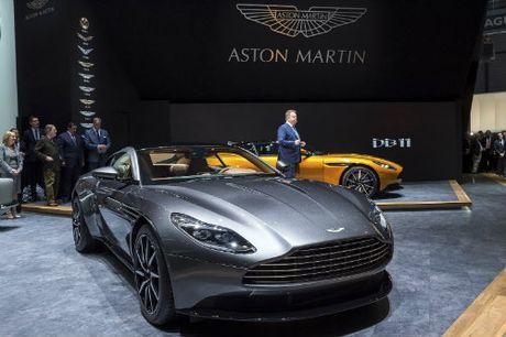 Aston Martin DB11 ve chau A gia chenh khung khiep - Anh 4