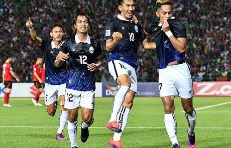 Campuchia va Brunei nam loi the tai vong loai AFF Cup 2016 - Anh 1