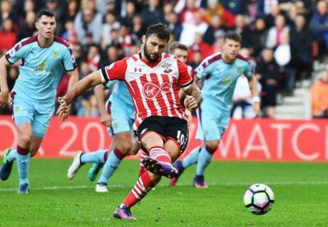 Southampton lam dieu Liverpool, M.U, Arsenal khong lam duoc 12 mua - Anh 1