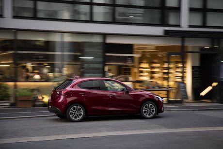 Mazda 2 va CX-3 phien ban 2017 chinh thuc ra mat - Anh 9