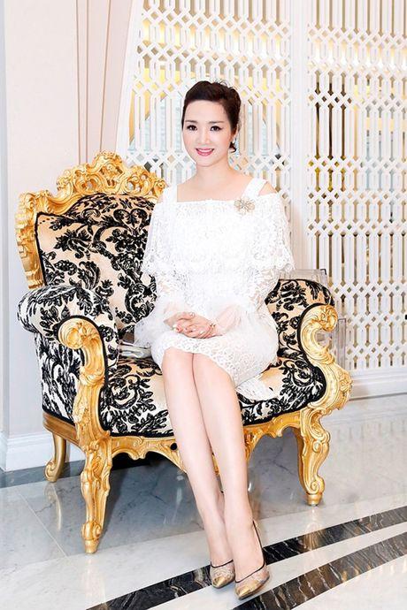 Kinh ngac biet thu trieu do phong cach Chau Au cua Hoa hau Giang My - Anh 4