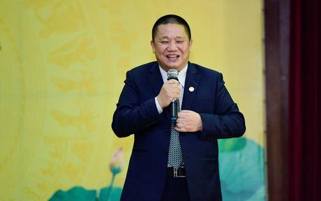 Tap doan Hoa Sen trao 10,5 ty dong cho quy khoi nghiep DHQG TP.HCM - Anh 2