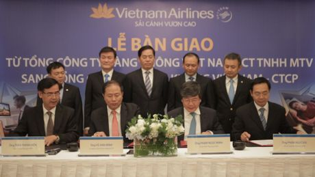 Vietnam Airlines hoan tat doi sang cong ty co phan - Anh 1