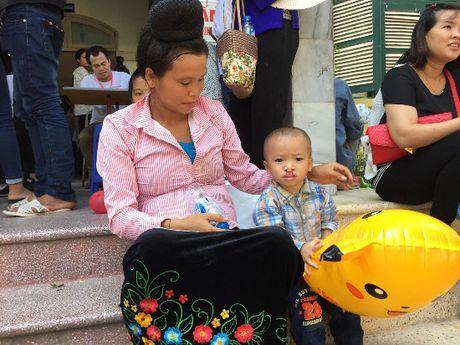 80.000 USD ho tro cham soc suc khoe benh nhan nhi - Anh 1